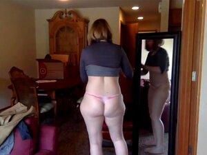 trata de ropa en la webcam trata de