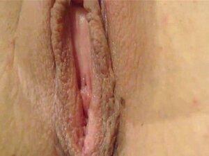 Hot Babe disfruta de duro consolador follando y