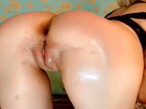 sexybambina que muestra el funcionamiento de la