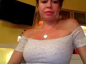 Sexy big ass babe stripping y su