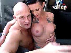 Horny stud tiene una sensual morena