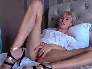 Camgirl Rubia amateur masturbándose en la