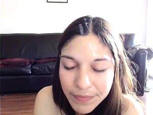 Desnudo de mujer maravillosa en el chat