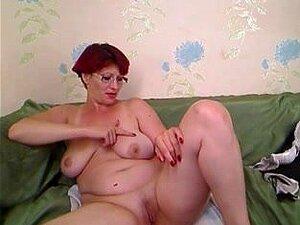 Puta madura da un show en la webcam