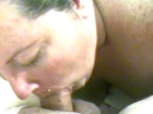 XXXHomeVideo: En el profundo, Shyla de rodillas y